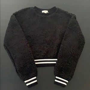 Black long sleeve sweater Sherpa
